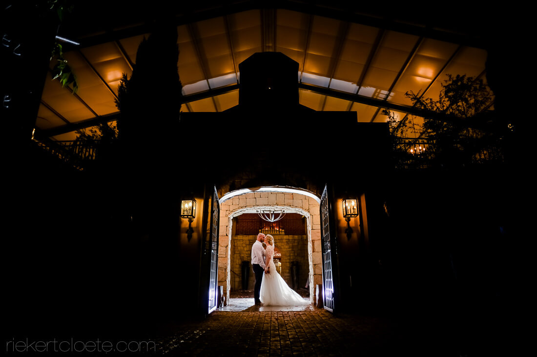 Hetvlok Kasteel night wedding photos
