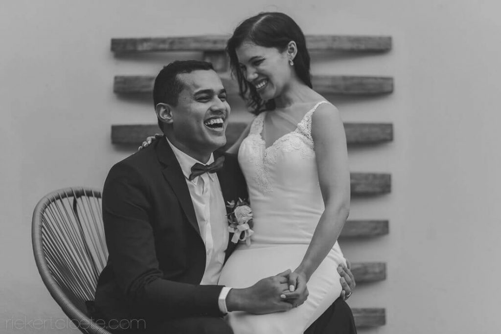 Giggle by Newly weds