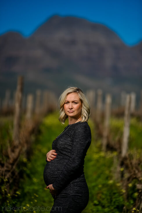 Stunning mom in vineyard