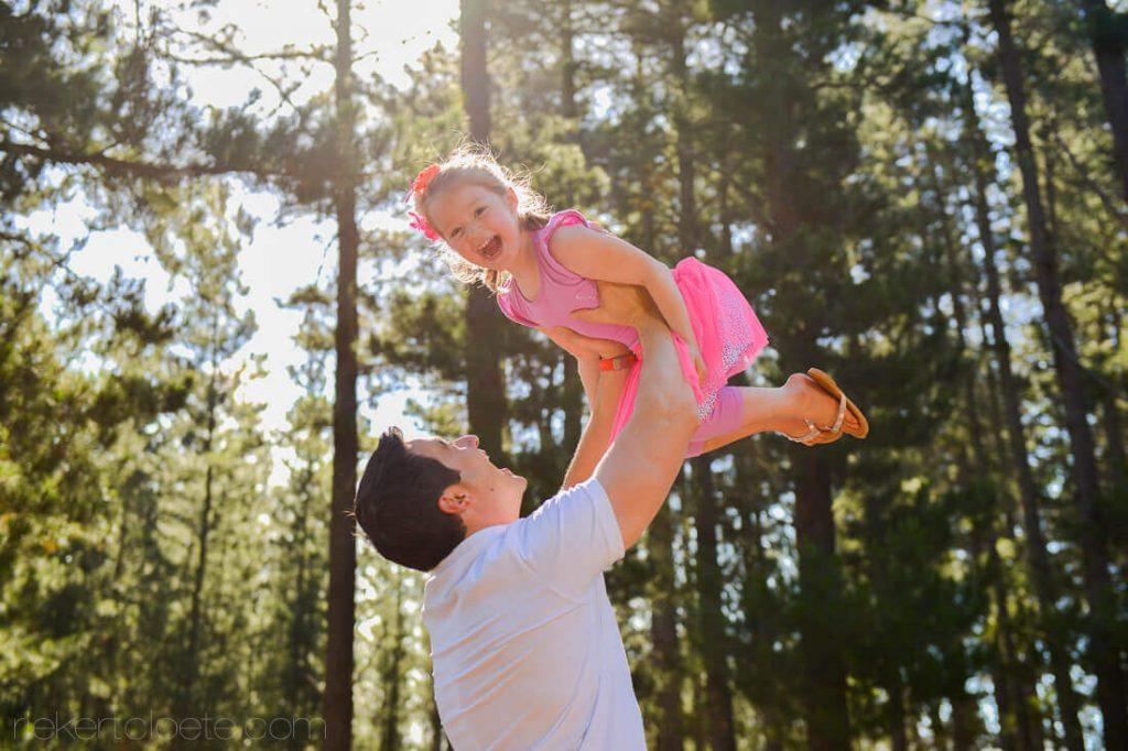 DAd play with daughter